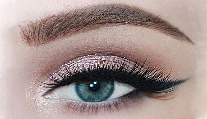 Winged eye makeup (14)