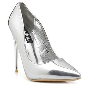afa14369476 Γόβες 2018: 21 προτάσεις από γνωστά καταστήματα παπουτσιών | Time ...