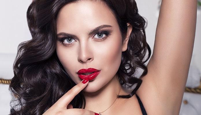 Μακιγιάζ με κόκκινο κραγιόν για σαγηνευτικά χείλη (40)