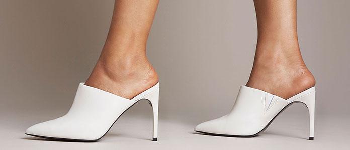 3c13da7498 Άνοιξη   Καλοκαίρι 2019  Τα πιο μοντέρνα   εντυπωσιακά παπούτσια για ...