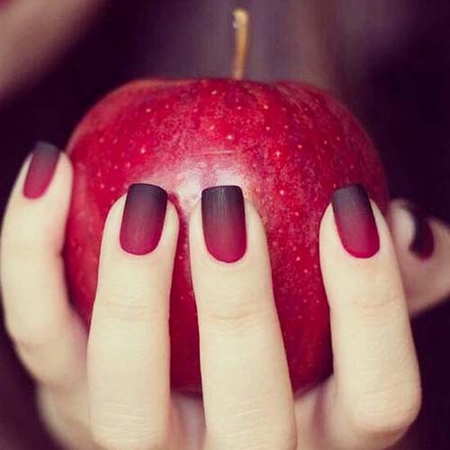 Κόκκινα νύχια (46)