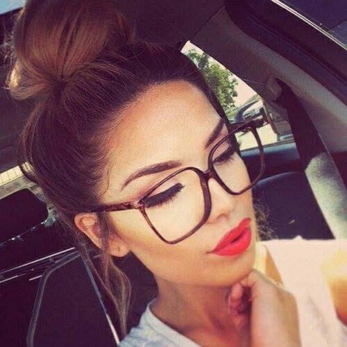 Χτενίσματα για γυναίκες με γυαλιά (1)