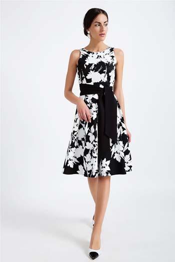 25+1 προτάσεις για εντυπωσιακά φλοράλ φορέματα  31bf6ecb1f4