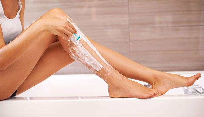 Μυστικά για τέλειο ξύρισμα ποδιών με μεγάλη διάρκεια - Beauté την ... 7bb357d5e6c