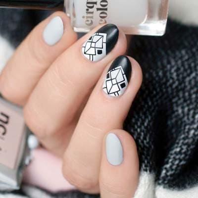 Ασπρόμαυρα σχέδια στα νύχια (18)