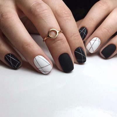 Ασπρόμαυρα σχέδια στα νύχια (38)
