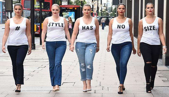 Αναδείξτε τις όμορφες και πλούσιες καμπύλες σας επιλέγοντας ένα ντύσιμο με  ρούχα για παχουλές σύμφωνα με τις κορυφαίες τάσεις της μόδας. 6ff29720ad0