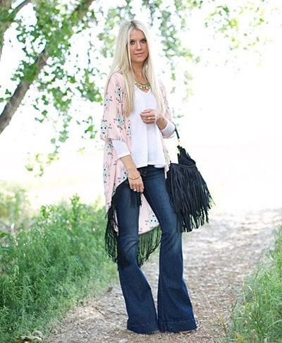 a8b17090389 60 τέλειοι συνδυασμοί με τζιν παντελόνι για stylish καθημερινές ή ...