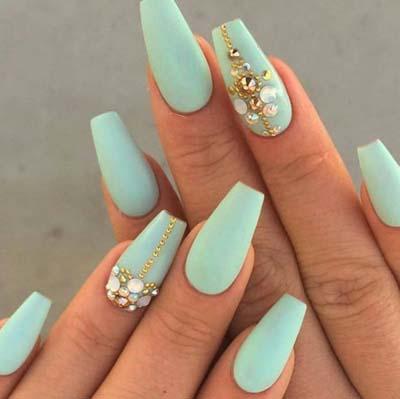 Εντυπωσιακά σχέδια για φυστικί νύχια (1)