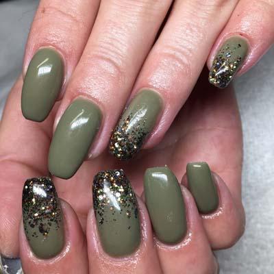 Πράσινα νύχια σε διάφορες αποχρώσεις (14)