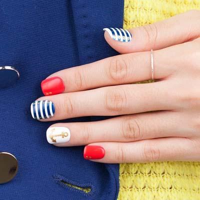 Καλοκαιρινά νύχια με σχέδια από άγκυρες (2)