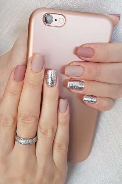 Nude σχέδια στα νύχια για το καλοκαίρι (1)