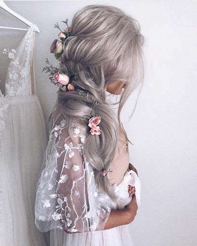 Νυφικά χτενίσματα για μακριά μαλλιά με λουλούδια (2)