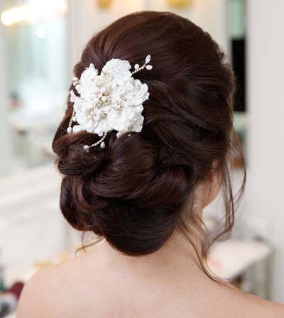 Νυφικά χτενίσματα για μακριά μαλλιά με λουλούδια (4)