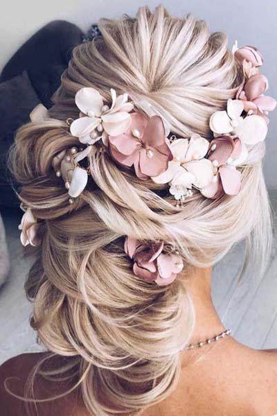 Νυφικά χτενίσματα για μακριά μαλλιά με λουλούδια (5)