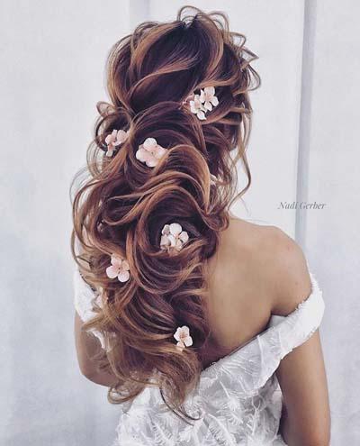 a3449f600 60 κομψά και ρομαντικά νυφικά χτενίσματα για μακριά μαλλιά