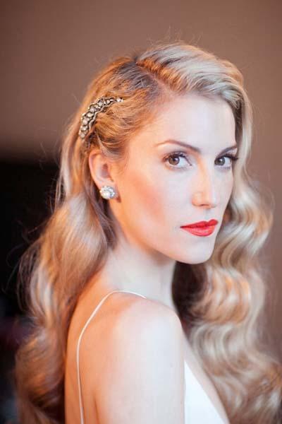 Ρομαντικά χτενίσματα για μακριά μαλλιά με πιασίματα σε γάμο (2)