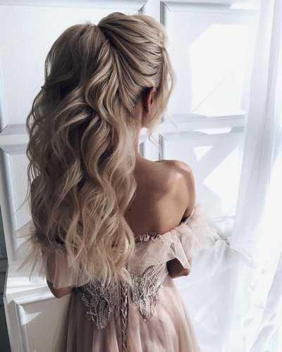 Ρομαντικά χτενίσματα για μακριά μαλλιά με πιασίματα σε γάμο (6)