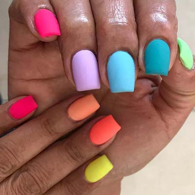 Ιδέες για εντυπωσιακά καλοκαιρινά σχέδια στα νύχια (8)