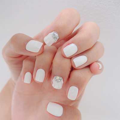 Νύχια λευκά γοργονέ (5)