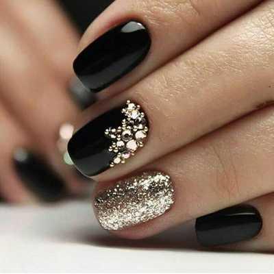 Σχέδια για μαύρα νύχια (4)