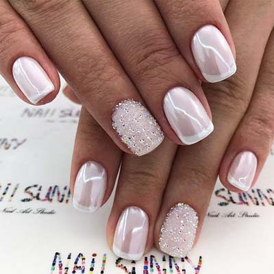 French pearl nails