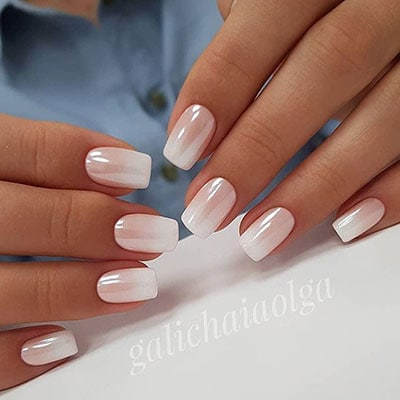 Ombre french manicure με περλέ σκόνη για τα νύχια