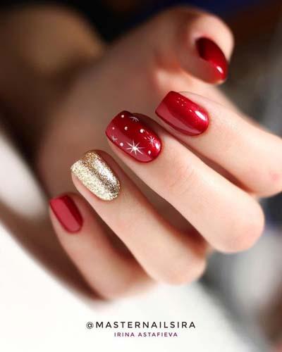Κόκκινα και χρυσά νύχια για τα Χριστούγεννα