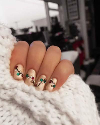 Χρυσά νύχια με λαμπάκια για τα Χριστούγεννα