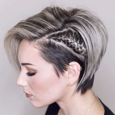 Ασύμετρο αγορέ μαλλί με ξύρισμα και πλεξούδα στη μια πλευρά