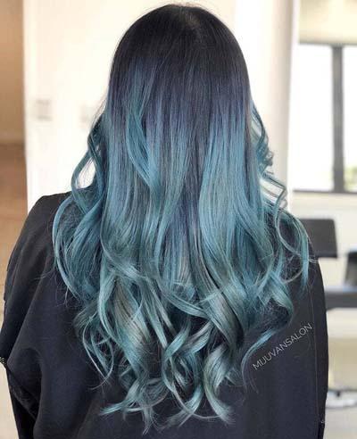Dark blue ombre hair σε denim