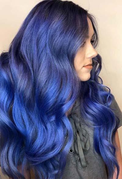 Balayage με ψυχρό βιολετί μωβ μπλε στις ρίζες και royal blue στις άκρες