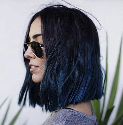 Μαύρο μπλε όμπρε χρώμα στα μαλλιά