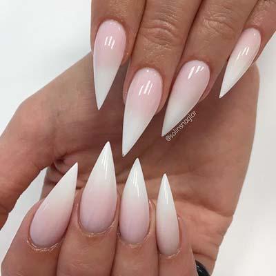 Κλασσικό ροζ γαλλικό σε νύχια stiletto
