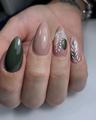 Nude - πράσινα στιλέτο νύχια