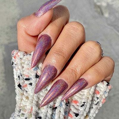 Μεταλλικά ροζ stiletto nails