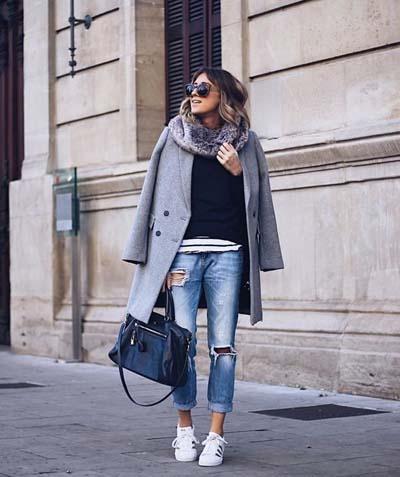 Casual chic ντύσιμο με jean και γκρι παλτό