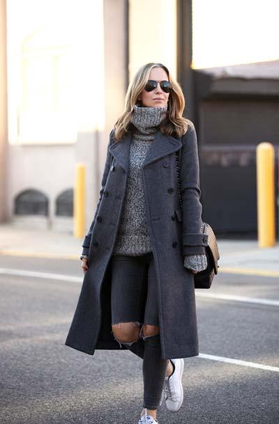 Total grey σύνολο με σκούρο γκρι παλτό και τζιν