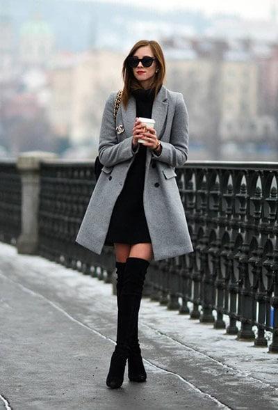 Κοντό μαύρο φόρεμα, over the knee boots και γκρι ημίπαλτο