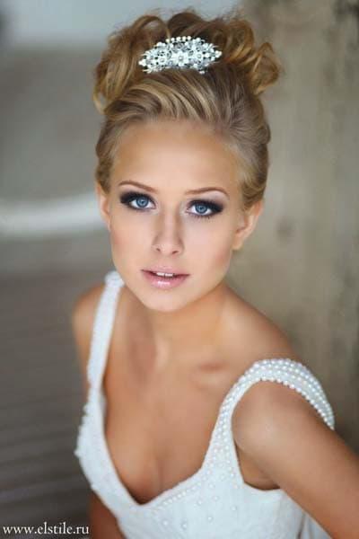 Νυφικό μακιγιάζ για ξανθιές με γαλάζια μάτια