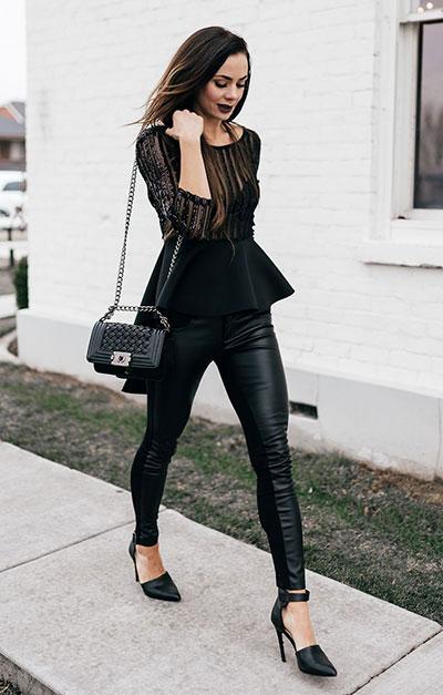 Chic ντύσιμο με peplum βραδινή μπλούζα με διαφάνεια και μαύρο κολάν δερματίνη