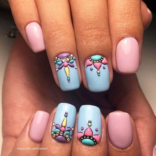 Boho style nails σε παστέλ αποχρώσεις