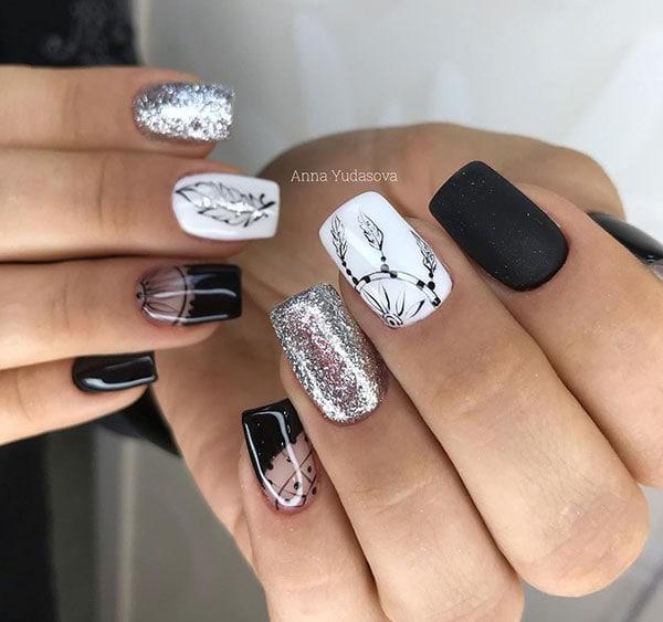 Boho nails σε ασπρόμαυρο χρώμα