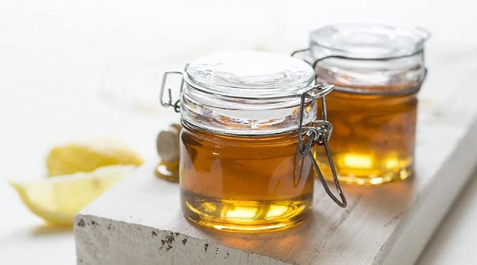 Μάσκα με μέλι και λεμόνι στο πρόσωπο