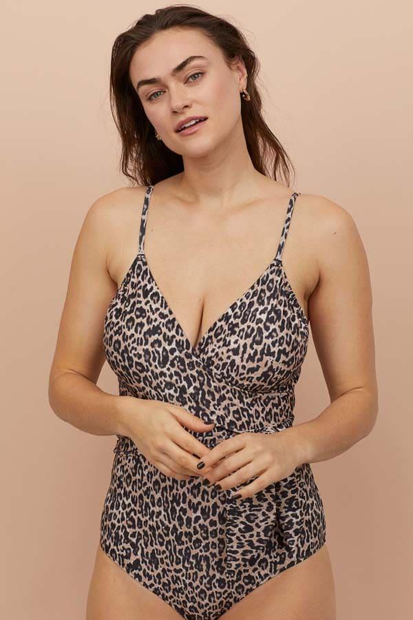 Λεοπάρ ντραπέ στο στήθος ολόσωμο μαγιό με λεπτή τιράντα και φιόγκο στη μέση που σμιλεύει το σώμα - H&M