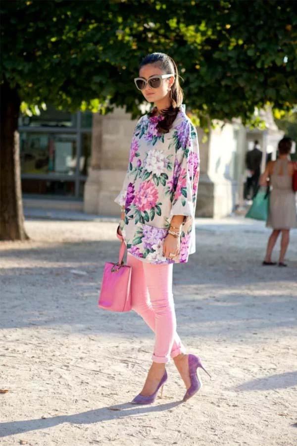 Ροζ τζιν με φλοράλ oversized πουκάμισο σε παστέλ αποχρώσεις