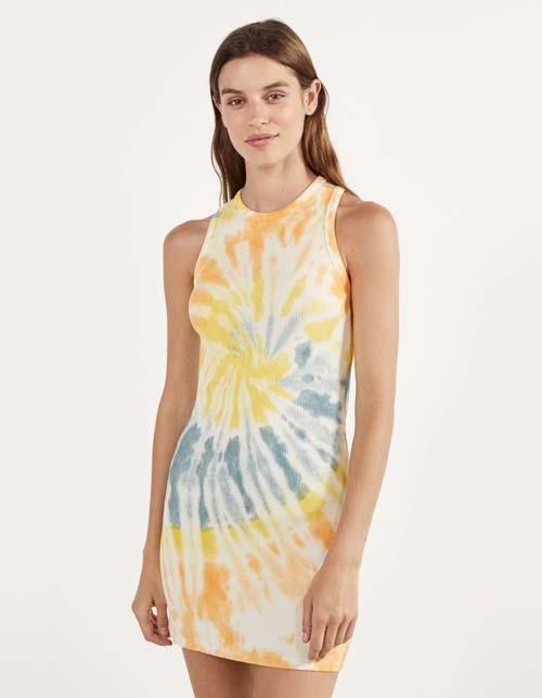 Tie dye αμάνικο εφαρμοστό μίνι φόρεμα - Bershka