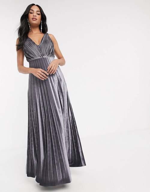 Maxi πλισέ μεταλλιζέ ασημί βελούδινο φόρεμα - ASOS