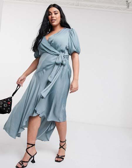 Μίντι ντραπέ φόρεμα για παχουλές με δέσιμο στο πλάι