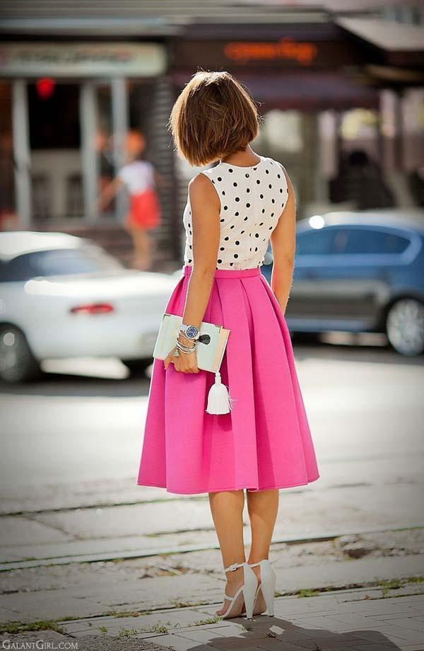 Πουά αμάνικη μπλούζα με ροζ midi φούστα